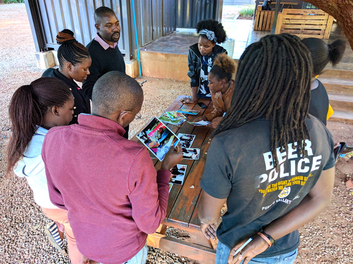 Mobile journalism training Harare, Zimbabwe. Image shared via Creative Commons BY-NC-SA 4.0