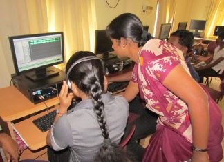 Radio production training in Jaffna, Sri Lanka by David Brewer shared via Creative Commons BY-NC-SA 4.0