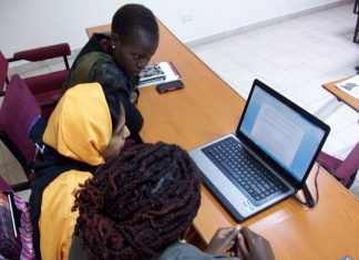 Training in Nairobi, image by David Brewer shared via Creative Commons